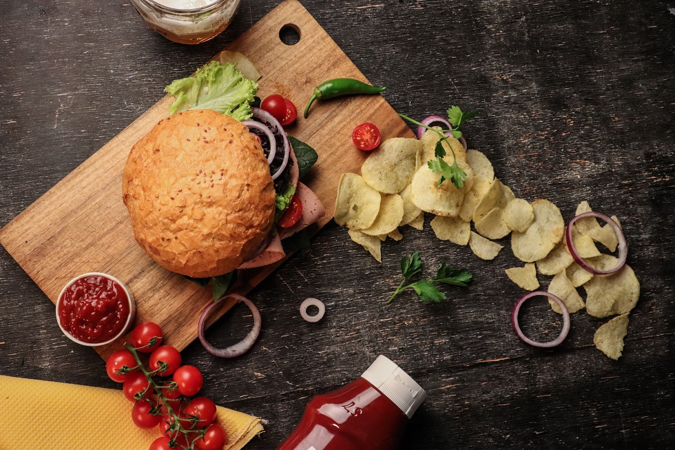 海外のマクドナルドでは期間限定でプラントベースバーガーも登場!プラントベースで広がる食事の選択肢とは